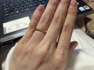 【ティファニー(Tiffany & Co.)の口コミ】 シンプルですが、リングの淵に入った細かい溝のおかげで、指輪の輝きが増し…