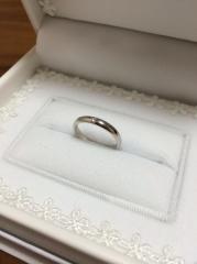 【Something Blue(サムシングブルー)の口コミ】 婚約指輪を奮発したため、結婚指輪はなるべく価格を抑えようと半年かけて色…