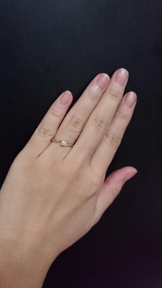 【じゅわいよ・くちゅーる・マキの口コミ】 指がきれいに見えるところがお気に入りです。どちらかというと指は太いし短…