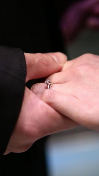 【ティファニー(Tiffany & Co.)の口コミ】 人生で一回のプロポーズなので、一流ブランドのティファニーにするのは確…