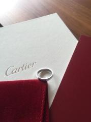 【カルティエ(Cartier)の口コミ】 以前よりマリッジリングはカルティエで と考えていましたが、いかにもカル…