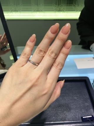 【ROYAL ASSCHER(ロイヤル・アッシャー)の口コミ】 世界3大カッターブランドといわれてるだけあってダイヤモンドが綺麗だなと…