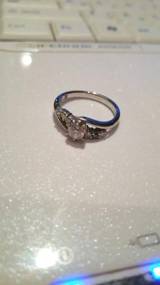 【アイプリモ(I-PRIMO)の口コミ】 私が天体観測が趣味で、夫は星のような指輪を探しており、店頭のスタッフさ…