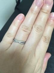 【ヴァンドーム青山(Vendome Aoyama)の口コミ】 指が太めで短くふっくらしているため、ハイブランドの指輪のデザインだとこ…