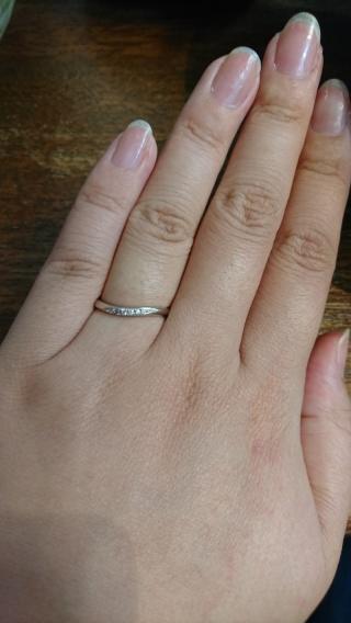 【Cafe Ring(カフェリング)の口コミ】 彼がピンクダイヤモンドにこだわっていて、店員さんが私の指の形から勧めて…