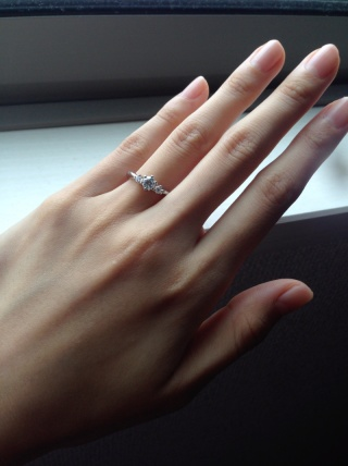 【エクセルコダイヤモンド(EXELCO DIAMOND)の口コミ】 彼の友人から勧められたのが来店のきっかけでした。やはり婚約指輪はダイヤ…