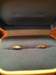 【銀座ダイヤモンドシライシの口コミ】 希望していたS字の指輪で、先に購入を決めていた婚約指輪(セントグレア)…