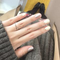 【ティファニー(Tiffany & Co.)の口コミ】 夫のゴツゴツした手にも似合う、シンプルだけどただのまっすぐなリングでな…