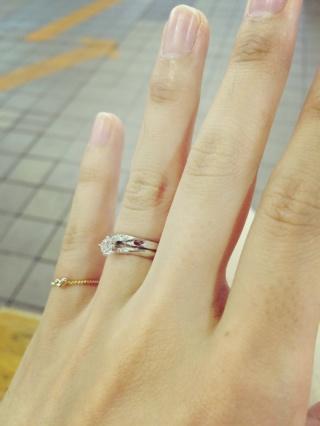 【銀座ダイヤモンドシライシの口コミ】 最初は悩みましたが、沢山の指輪の中でこれ!という指輪に出会う事ができま…