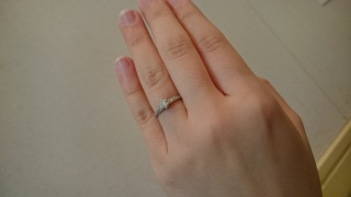 【RosettE(ロゼット)の口コミ】 結婚指輪はお揃いがよかったので、ペアリングだったところ。色合いはピンク…