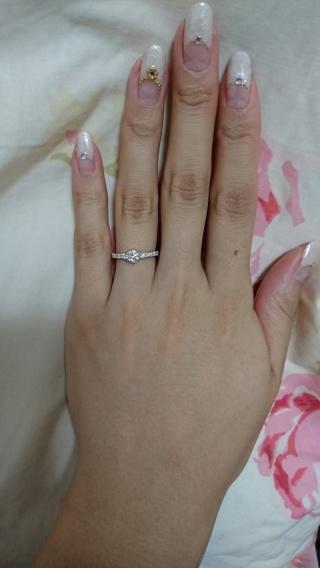 【銀座ダイヤモンドシライシの口コミ】 ブランドを絞らずインターネットで婚約指輪を検索して、唯一気になったデザ…
