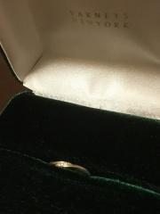 【ENUOVE(イノーヴェ)の口コミ】 やはりデザインそのものに、心奪われました!結婚指輪でダイヤがたくさん付…