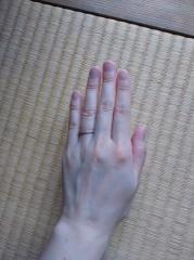 【4℃(ヨンドシー)の口コミ】 肌馴染みのよい、ピンクゴールドの指輪を探していました。ダイヤの大きさ…