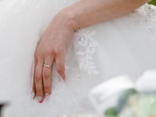【ROYAL ASSCHER(ロイヤル・アッシャー)の口コミ】 なにより、ダイヤモンドの輝きの美しさに惹かれました。 指にはめた時、普…