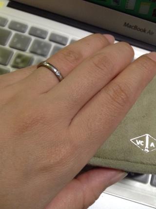 【ヴァン クリーフ&アーペル(Van Cleef & Arpels)の口コミ】 使用頻度が低いと思われた婚約指輪を買わなかった代わりに、毎日つける結…