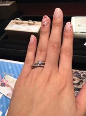 【JEWELRY  KAMATA(ジュエリーかまた)の口コミ】 たくさんの種類の指輪を試着させて頂いて 迷いますが、お店の方と話し合い…