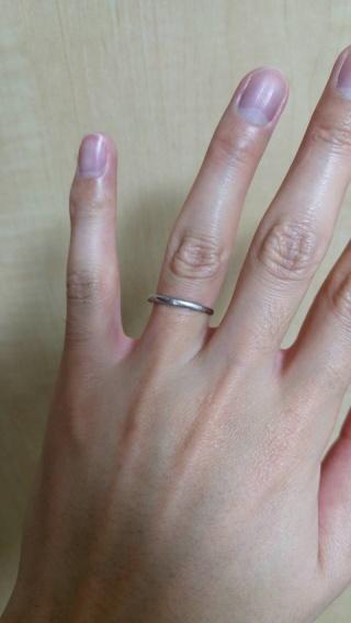 【Mariage(マリアージュ)の口コミ】 妻と2人で各自気にいるデザインの指輪を選んでいきました。 そうすると妻…