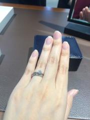 【Ponte Vecchio(ポンテヴェキオ)の口コミ】 リフォーム用のデザイン枠の中から婚約指輪に相応しいものを見せていただき…