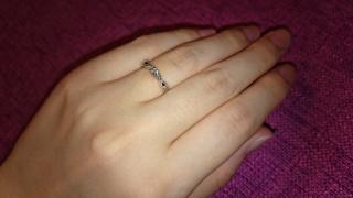 【エクセルコダイヤモンド(EXELCO DIAMOND)の口コミ】 婚約指輪をエリザベートにしたので、セットリングのこちらの結婚指輪を選び…