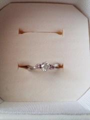 【4℃(ヨンドシー)の口コミ】 夫が一人きりで選んでくれました。 ダイヤモンドのクオリティが自由に選べ…
