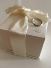 【4℃(ヨンドシー)の口コミ】 結婚前から憧れがあり4℃で購入しようと決めていました。指輪をはじめ腕時…