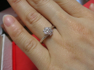 【宝寿堂(ほうじゅどう)の口コミ】 デザインよりも、カラット数が大きなダイヤモンドの指輪が欲しかったので、…