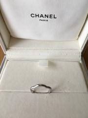 【シャネル(CHANEL)の口コミ】 結婚指輪として日常に使えるシンプルなデザインを探していましたが、店舗で…