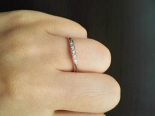 【ラザール ダイヤモンド(LAZARE DIAMOND)の口コミ】 色々はめてみて1番しっくりきたので決めました。軽くてあんまりつけてる感…