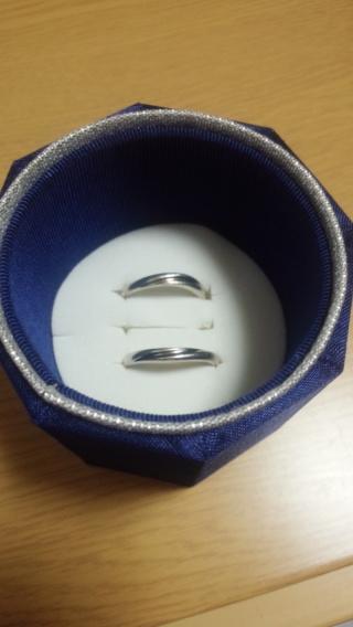【4℃(ヨンドシー)の口コミ】 旦那が仕事柄指輪ができないので、とにかく安い価格のを探しました。  シ…