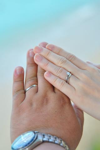 【JEWELRY  KAMATA(ジュエリーかまた)の口コミ】 1石のシンプルなデザインの物を探していました(^^) 婚約指輪だけだと…