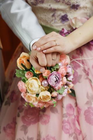 【アイプリモ(I-PRIMO)の口コミ】 婚約指輪が無かったので結婚指輪は豪華にしたいと思いダイヤが敷き詰められ…