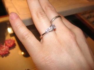 【アイプリモ(I-PRIMO)の口コミ】 ピンクダイヤがついているデザインのもを希望していて、いくつか見せていた…