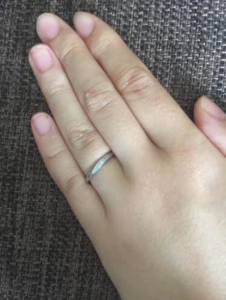【4℃(ヨンドシー)の口コミ】 予算がなかったので安くてかわいいものを希望していました。THE婚約指輪み…