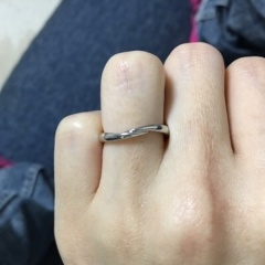 【COLANY(コラニー)の口コミ】 細めでシンプルなのに、とてもオシャレだったので決めました! ダイヤを入…
