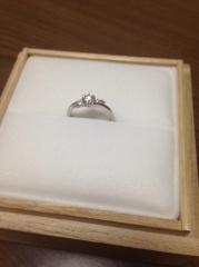 【Mariage(マリアージュ)の口コミ】 店内にある指輪で1番気に入りました。かわいいデザインで、1番目を引きま…