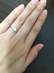【ガラOKACHIMACHIの口コミ】 婚約指輪は特にブランドを意識しておらず、私が気に入ったデザイン、質を重…
