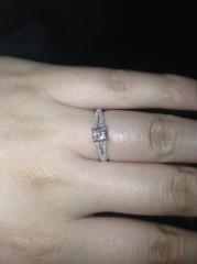 【ティファニー(Tiffany & Co.)の口コミ】 ざ、婚約指輪というカッティングよりも、少し変わったデザインの指輪が欲…