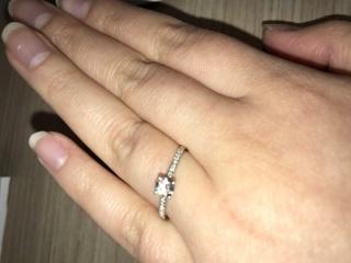【フラー・ジャコー(FURRER-JACOT)の口コミ】 スタッフの対応が良く一生に一度の婚約指輪はやはり良いモノにしたくて、1…