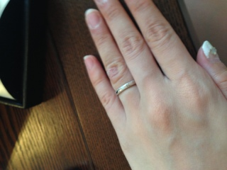 【エクセルコダイヤモンド(EXELCO DIAMOND)の口コミ】 式場を決める前からいろいろなパンフをもらって、指輪にいろいろ悩んでいま…