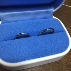 【銀座ダイヤモンドシライシの口コミ】 今流行りの斜めにメルダイヤが敷き詰められている指輪はどこのブランドでも…