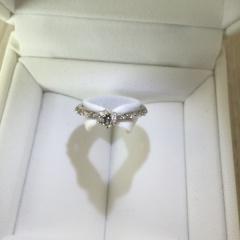 【スタージュエリー(STAR JEWELRY)の口コミ】 華奢なデザインのリングが欲しくて探していて見つけました。 細めのリング…