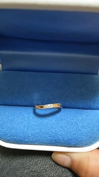 【銀座ダイヤモンドシライシの口コミ】 最初はストレートっておもいながら、指輪をさがしていたんですが、どのデ…