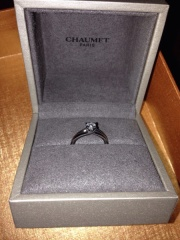 【ショーメ(CHAUMET)の口コミ】 このブランドの指輪が欲しくて、ある程度のデザインは決めて行きましたが、…