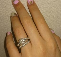 【ラザール ダイヤモンド(LAZARE DIAMOND)の口コミ】 指輪を見る予定もない日にふらっと通りがかったら あまりのダイヤの綺麗さ…