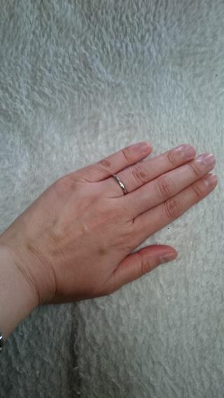 【ブルガリ(BVLGARI)の口コミ】 結婚指輪は、毎日身につけるものなので、丈夫かつ上品なものが良いと思いこ…