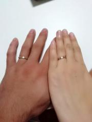 【Tomo me(トモミ)の口コミ】 色々なショップを探して、まわった結果こちらの指輪をデザインと値段で決め…