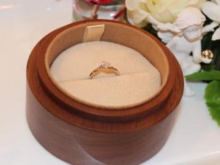 【COLANY(コラニー)の口コミ】 彼とコラニーのHPで結婚指輪を見ていました。二人でこれも良いねあれも良…