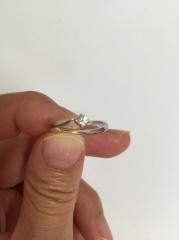 【4℃(ヨンドシー)の口コミ】 ダイヤがダイヤのマークの形をしていて、シンプルなものよりも、少し違っ…