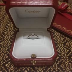 【カルティエ(Cartier)の口コミ】 大人っぽく、上品なデザイン と、主人談。 私も気に入っています。また、…