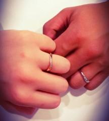 【4℃(ヨンドシー)の口コミ】 ダイヤモンドととにかく指がきれいにみえるデザインです。指があまり細くも…